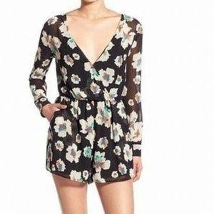 ASTR Womens Black Floral Romper Surplice Back S